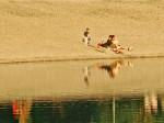 """Šljunčana plaža kupališta na Malom jezeru rekreacijskog centra """"Jarun"""" [GP 2005.]"""