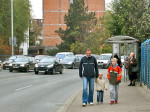 Selska cesta, autobusna stanica koju bi bilo dobro malo pomaknuti. Snimio: Vanja