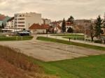 Neizgrađeni koridor planirane produljene Šarengradske uz željeznički nasip u zoni Knežije [GP 2013.]