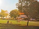 """Park Stara Trešnjevka 1982. godine dok je još nosio ime Veljka Vlahovića - preneseno iz knjige """"Crvena Trešnjevka"""""""
