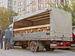Prodaja drva na Trešnjevačkom trgu [VR 2013.]