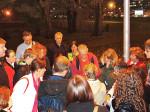 Sudionici šetnje po Ciglenici na mjestu okupljanja - u Parku pravednika među narodima [MS 2014.]
