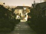 """Dvorište s nekad tipiziranim jednokatnicama u sklopu """"gradskih kuća"""" u Meršićevoj ulici [BT 2014.]"""