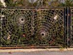 Ograda s motivom paukove mreže na uglu Ilirske i Koprivničke ulice [VT 2013.]