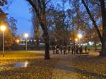 Sudionici šetnje po Ciglenici na mjestu okupljanja - u Parku pravednika među narodima [GP 2014.]