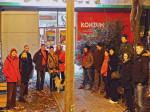 """Sudionici predbožićne šetnje """"trešnjevačkom dijagonalom"""" na mjestu sastanka [GP 2014.]"""
