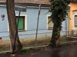 """Ograda u Vojakovačkoj ulici koja donekle oponaša """"sunce"""" [GP 2015.]"""