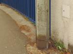 """Uzemljenje betonskog stupa """"Elektre"""" (ormarić je PTT-ov) [GP 2015.]"""
