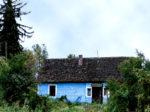 Napušteni (?) ostatak seoske arhitekture na južnom rubu Trnskoga u naselju Podbrežje [MS 2016.]