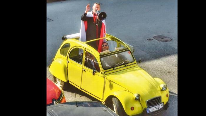 Scena obilaska župljana u Spačeku za Uskrs 2020.