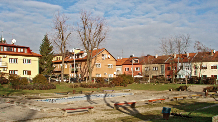 Javni park i dječje igralište Zorkovačka ulica