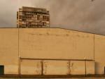 """Dvorana """"Kutija šibica"""" s neboderom """"Trešnjevačkom ljepoticom"""" u pozadini [GP 2013.]"""