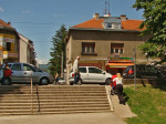 Stube iz Parka Stara Trešnjevka na Ozaljsku ulicu s rampom za dječja kolica i bicikle [GP 2013.]