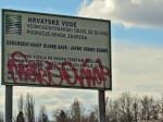 """Vandalsko iživljavanje nad """"Mole se građani..."""" (Vjerojatno baš zato) [GP 2011.]"""