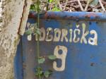Posljednji preostali natpis na dvorišnim vratima koji podsjeća na Mogorićku ulicu [VR 2014.]