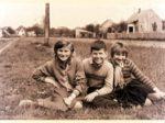 Zajednička fotografija djece - Borovci i Petrine oko 1960-ih [AB]
