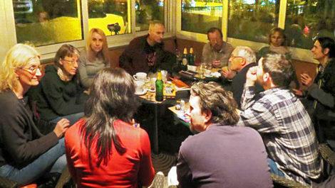 Dio sudionika Prve kvartovske pive u caffe baru No. 1 u Kostelskoj ulici, 06.11.2019. [SM 2019.]