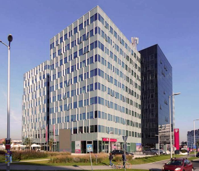 Zgrada na Radničkoj cesti (preneseno iz kataloga Izložbe) [2020.]