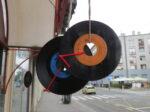 Detalj ukrasa Tratinske toga dana - gramofonskih ploča [VR 2020.]