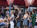 Publika pozorno prati program na Trešnjevačkoj tržnici [LM 2021.]