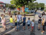 """Cirkuski performans uličnog kazališta """"Cirkpozor"""" na Trešnjevačkom trgu [LM 2021.]"""