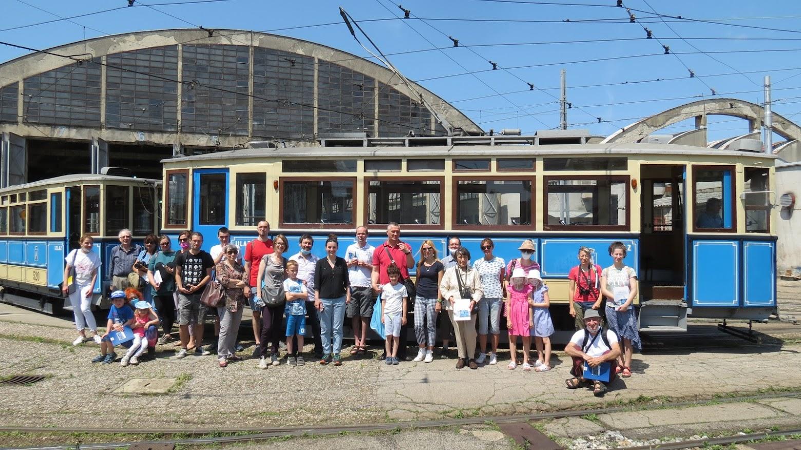 Sudionici posjeta Tramvajskom spremištu ZET-a [VR 2021.]